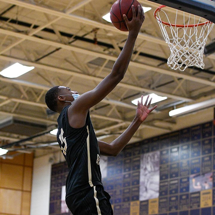 Amir Williams Basketball Player Neumann-Goretti Saints